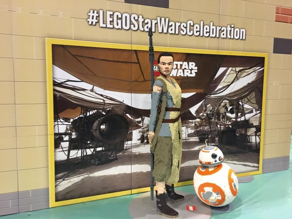 star-wars-celebration-europe-2016-bb8-rey-lego