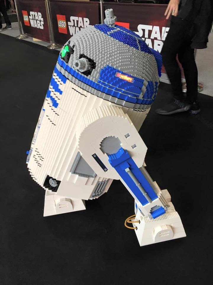 star-wars-celebration-europe-2016-r2d2-lego